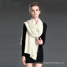 Foulard en laine blanche blanche