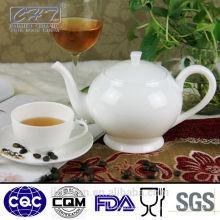 Белый изящный фарфоровый фарфоровый керамический чайник