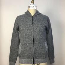 Мужской свитер с капюшоном на флисовой подкладке