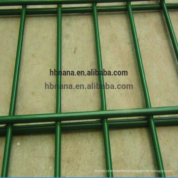 Best selling high quality China Supplier Galvanized Powder Coated black 656 welded wire fence mesh panel