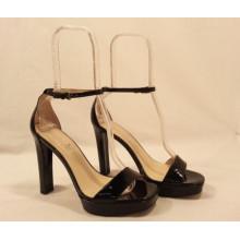 Акриловая сандалия с подставкой для обуви с вставками