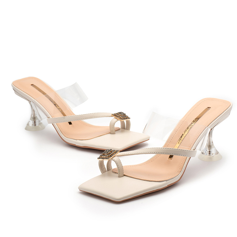 square toes gentlewomanly sandals