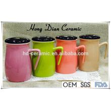 Neues Produkt keramischer Becher mit Deckel, bunter Becher, Steinzeugmaterial-keramischer Becher Großverkauf