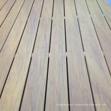 Deck composto de plástico de madeira tampado para piscina
