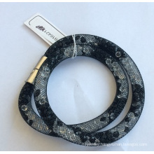 Black Metal Bracelet with Gems for Fashion Beauty