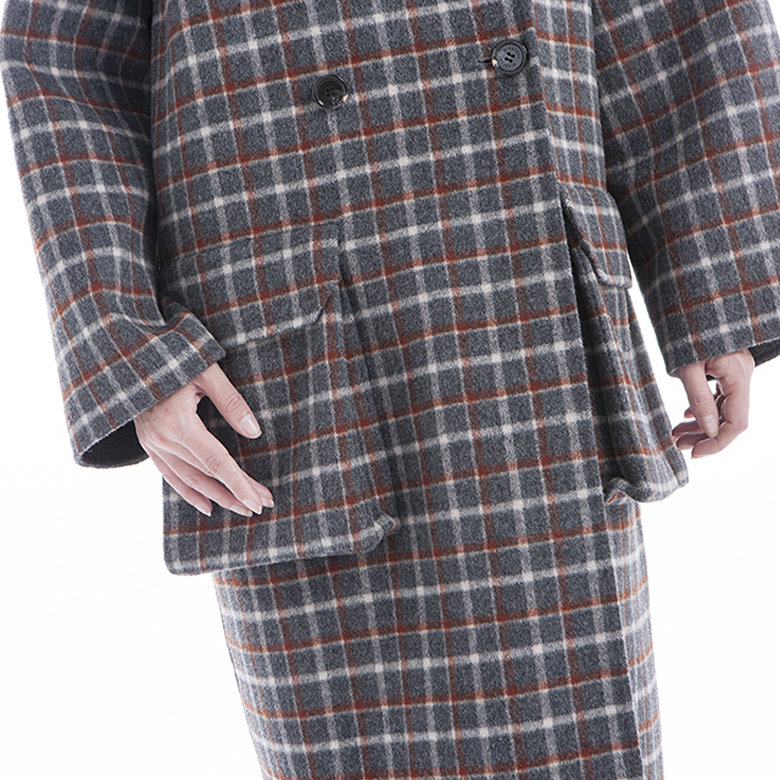 Checker pattern double-breasted cashmere overcoat front half