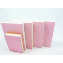 Notas adhesivas y bloc de notas para papelería escolar