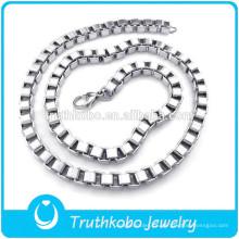 TKB-N0004 Moda de alta calidad de plata 316L sagrado collar con cadena de caja en Material de acero inoxidable Joyería DongGuan Truthkobo