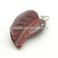 AAA grau naturais pingente de folha de pedra vermelha para colar