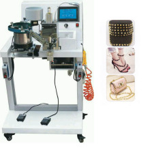 Automatic Machine to Apply Nailheads with Prongs