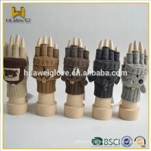 Fingerless erwachsene Mädchen 100% Acryl gestrickte Handschuhe Großhandel