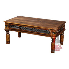 Mesa de café con red de hierro