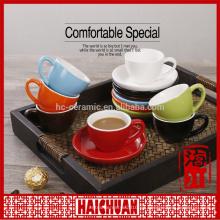 Copa de café y taza de café expreso
