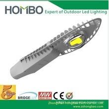 Luz de calle de la alta calidad 20W 30W 40W 50W LED 5 años de garantía Luz de aluminio de la calle ligera