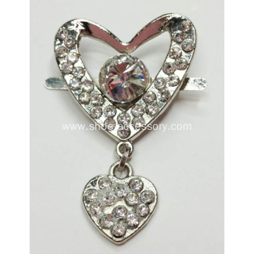 3x2.6cm Heart-Shaped Rhinestone Alloy Shoe Buckle with Small Heart Design Pendant