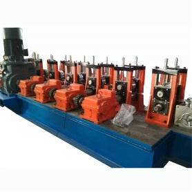 Baja Logam Palisade Pagar Panel Roll Forming Machine