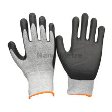 NMSAFETY new safety mechanic gloves export 13g black nylon and white UHMWPE coated black high-technology foam nitrile on palm