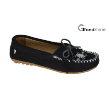 Women′s Embroidery Loafers Flat Moccasins