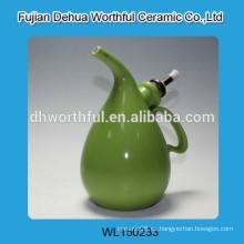Diseño moderno botellas de aceite de oliva verde, botella de aceite de cerámica con forma única