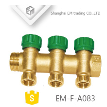 EM-F-A083 Tubo de calefacción por suelo radiante de tres vías de unión masculina de latón