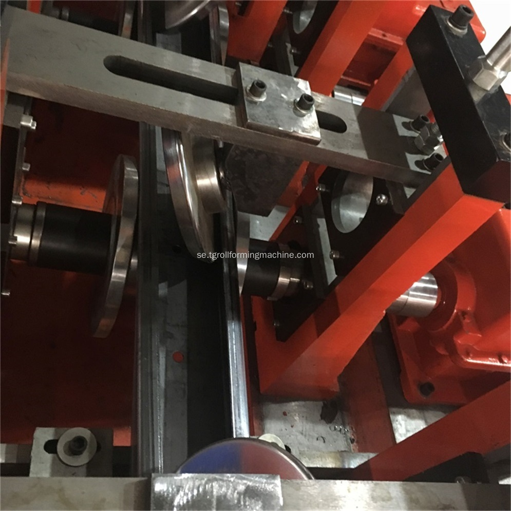 Full automatisk stål C Purlin Roll Forming Machine