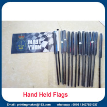 Drapeau national de bannière nationale de drapeaux tenus dans la main faits sur commande