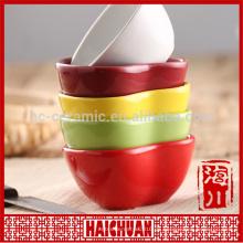 Farbige keramische Backware runde Platte Kuchen backen