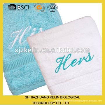 sehr weich ihr und ihr Handtuch