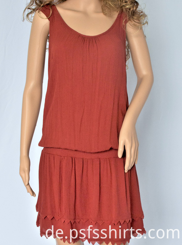 Sleeveless Knee-length dress