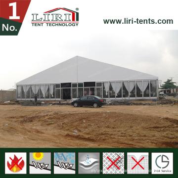 Grande tente avec des murs en verre pour la tente de mariage d'église en ventes