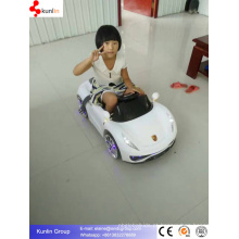 Carro de Controle Remoto com Flash Light Kid Baby Car