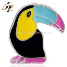 China promotional metal custom wedding return gift soft enamel custom safety pins