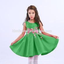 2017 Fornecimento de fábrica cor sólida Bordado bebê menina vestido de festa crianças vestidos projetos