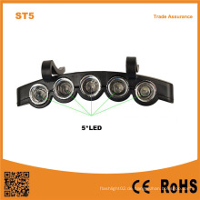 5LED Plastik LED-Kappen-Hut-Licht 2 * Cr2032 Batterie angetriebenes 5 LED-Fischen-Hut-Licht