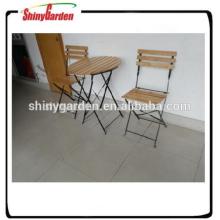 conjunto de mesa y silla de hierro de madera