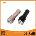Lampe torche LED rechargeable LED Lampe torche forte avec aimant fort