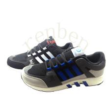 Sapatos novos da sapatilha da forma dos homens da venda