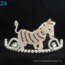 El caballo encantador coloreó la tiara de los niños de la tiara del Rhinestone