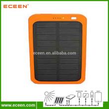 Prix usine du panneau solaire 5V portable portable énergie solaire 5000 mah pour le rechargement du téléphone portable