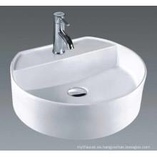 China Lavabo de cerámica del cuarto de baño del fabricante (7055)