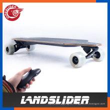 Weißes drahtloses Kreuzfahrt-elektrisches Skateboard