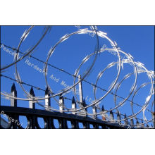 Galvanisé Concertina Razor Barbed Wire / Barb Tape