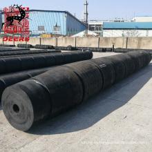 Guardabarros de goma de cilindro hueco de alta calidad fijado en remolcador