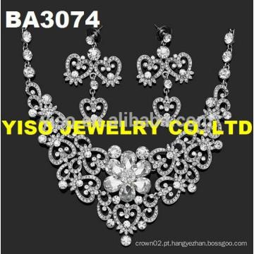 Conjunto de jóias de casamento lindo