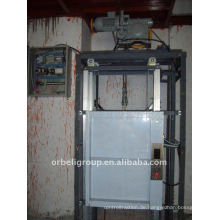 Dumbwaiter Aufzug / Lift