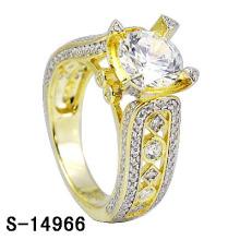 O anel de prata chapeado do anel de casamento do ouro 14k da prata 925.