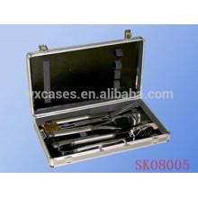 Mallette aluminium argent pour coffret d'outils de barbecue