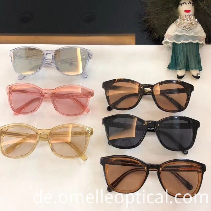 Classic Eyes Sunglasses