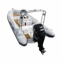 Barco de pesca de costela