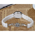 Reloj de pulsera con correa de cerámica blanca para mujer Shell Shell Pearl
